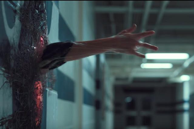 Eleven ရဲ႕ Upside Down ထဲကေန ထြက္လာတဲ့ Stranger Things clip
