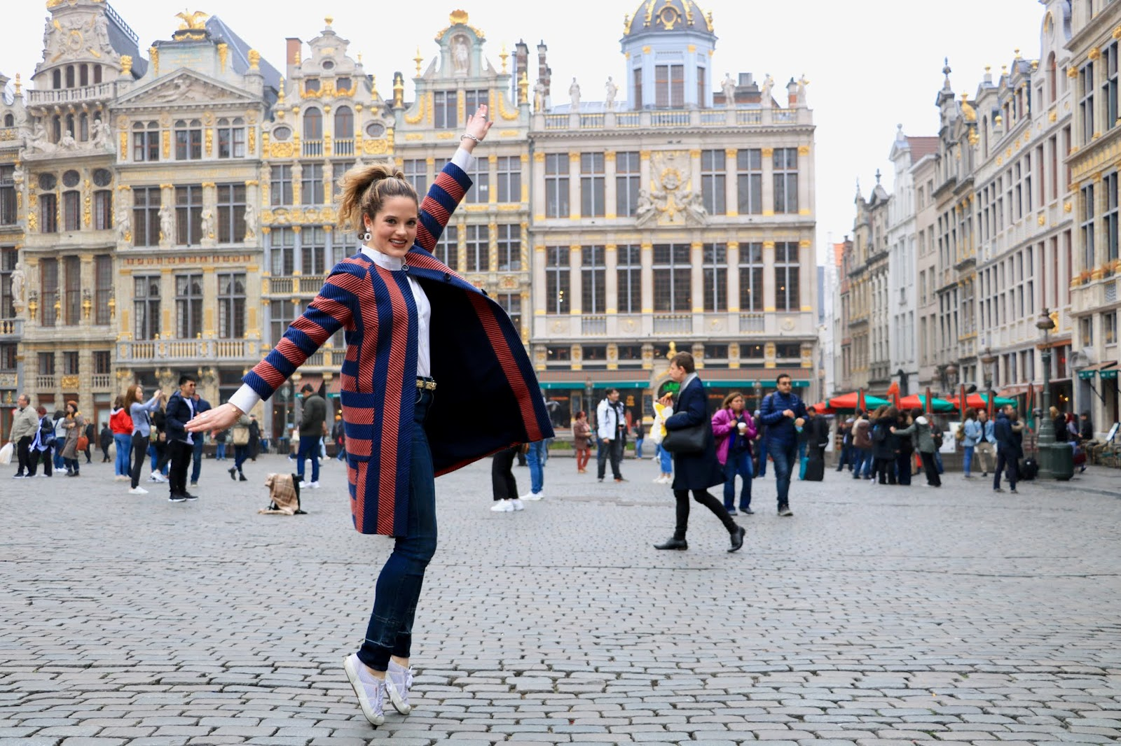 Fashion blogger Kathleen Harper at Grand-Place in Brussels, Belgium