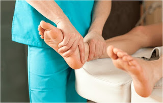 Chiropodist or Podiatrist - What is the Difference?