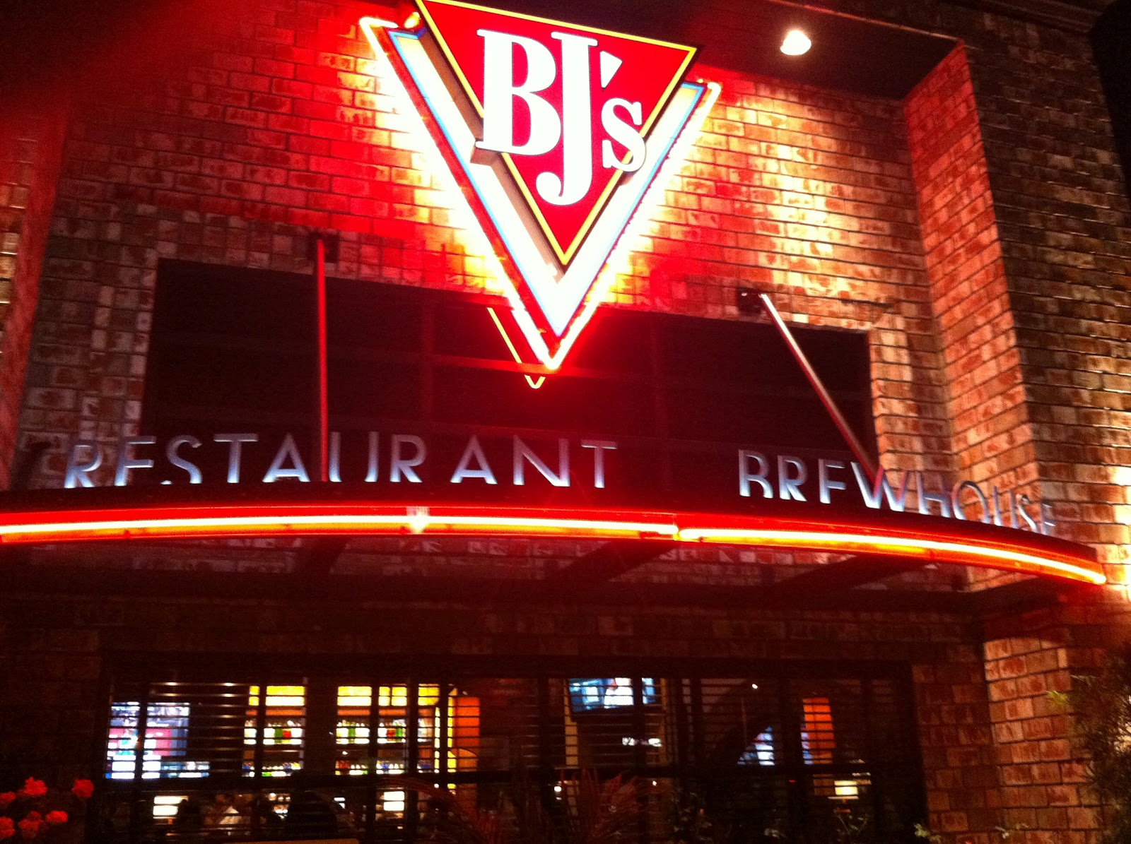 Bjs Restaurant And Brewhouse In Huntington Beach California