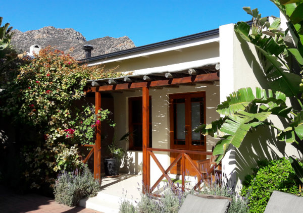 Malherbe B&B, Montagu South Africa (R62) | Happy in Red