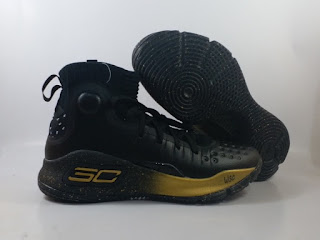 Under Armour Curry 4 - Black Gold