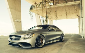 Wallpaper: Mercedes S63 Coupe AMG
