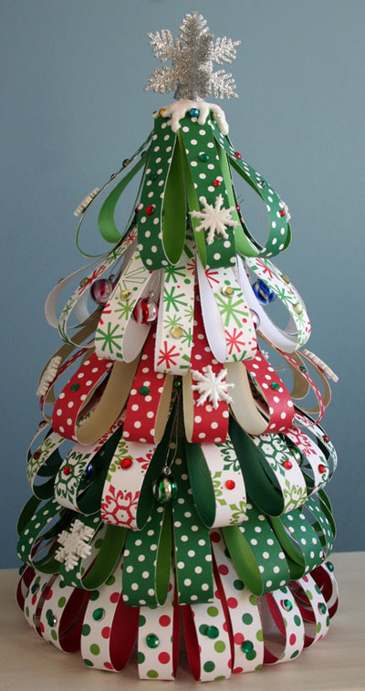 Burlap Decorated Christmas Tree
