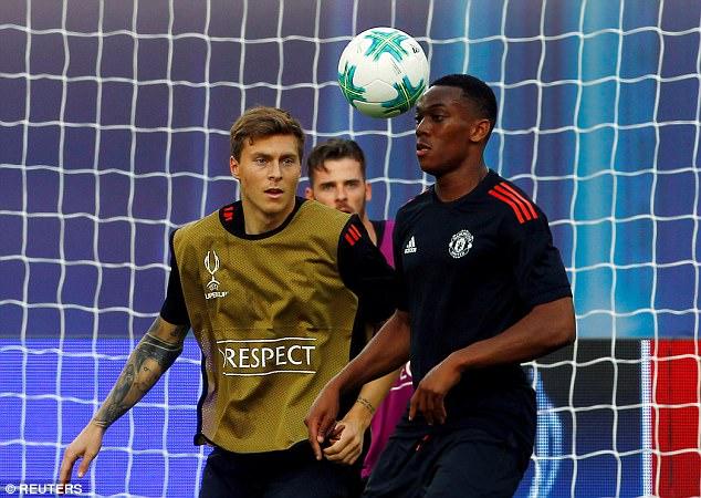 Mourinho đăm chiêu, Lukaku toe toét trước đại chiến 3