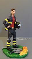 marito pompiere statuetta realistica vigile del fuoco cake topper speciali orme magiche