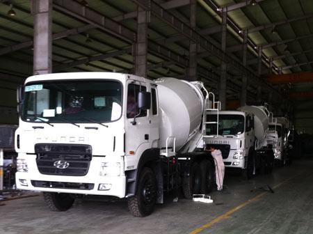 Xe trộn bê tông Hyundai hd270 15 tấn
