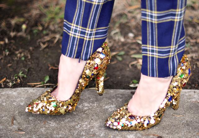 gold pumps, sequined shoes, embellished shoe DIY