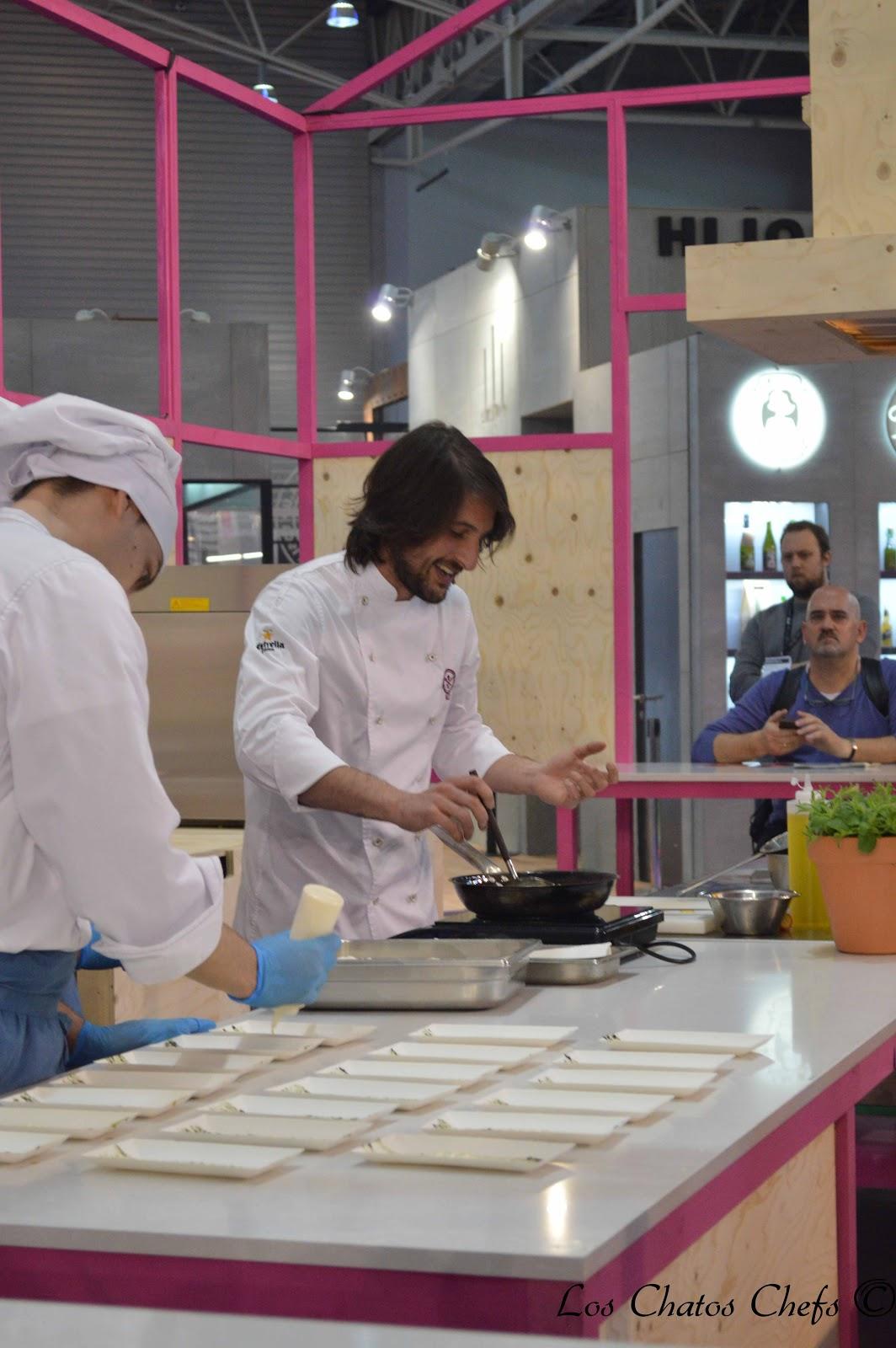 Los chatos chefs barcelona for Cocinar ortiguillas