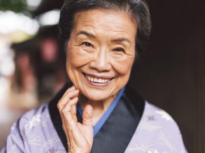 https://4.bp.blogspot.com/-0pLuAUY82dE/W54ZxAv0EMI/AAAAAAAAHOw/RxaIMS8jNZAIiIoTZ6j0a6O6r3gCivZGgCLcBGAs/s400/blog_health-tips_More-Gracefully-Aging-Tips-For-Women_97419013-1024x768.jpg