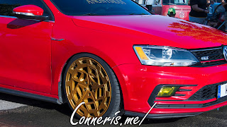 Volkswagen Golf Gold Rims