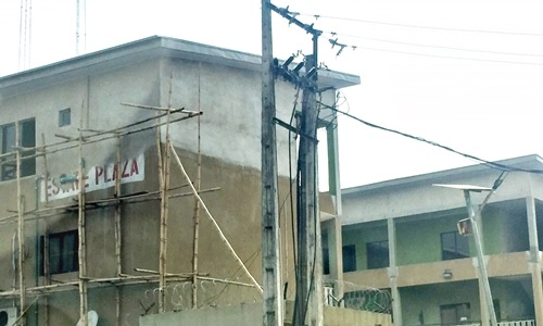 Building Collapse Alert! See Photos of Estate Plaza Adding One More Floor After 17 Years