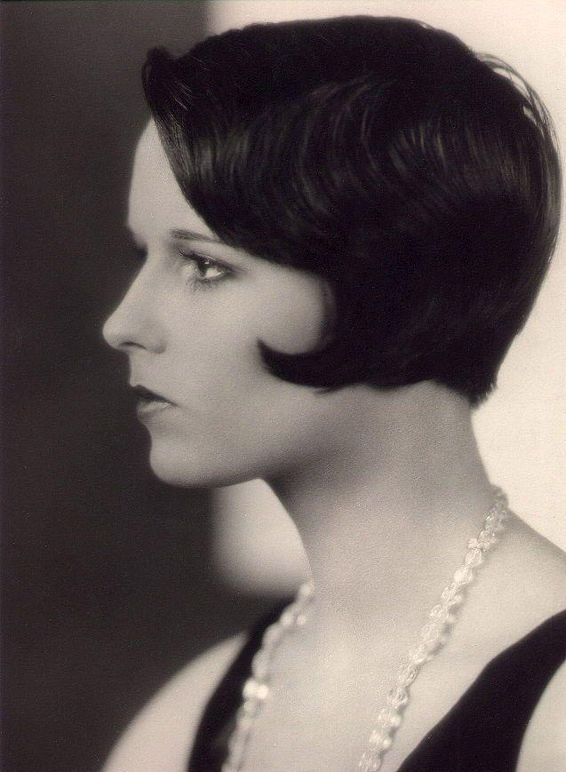 Film Noir Photos: Tracking with Closeups: Louise Brooks