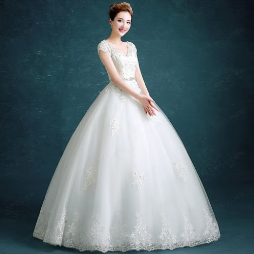 gaun pengantin putih tampak depan