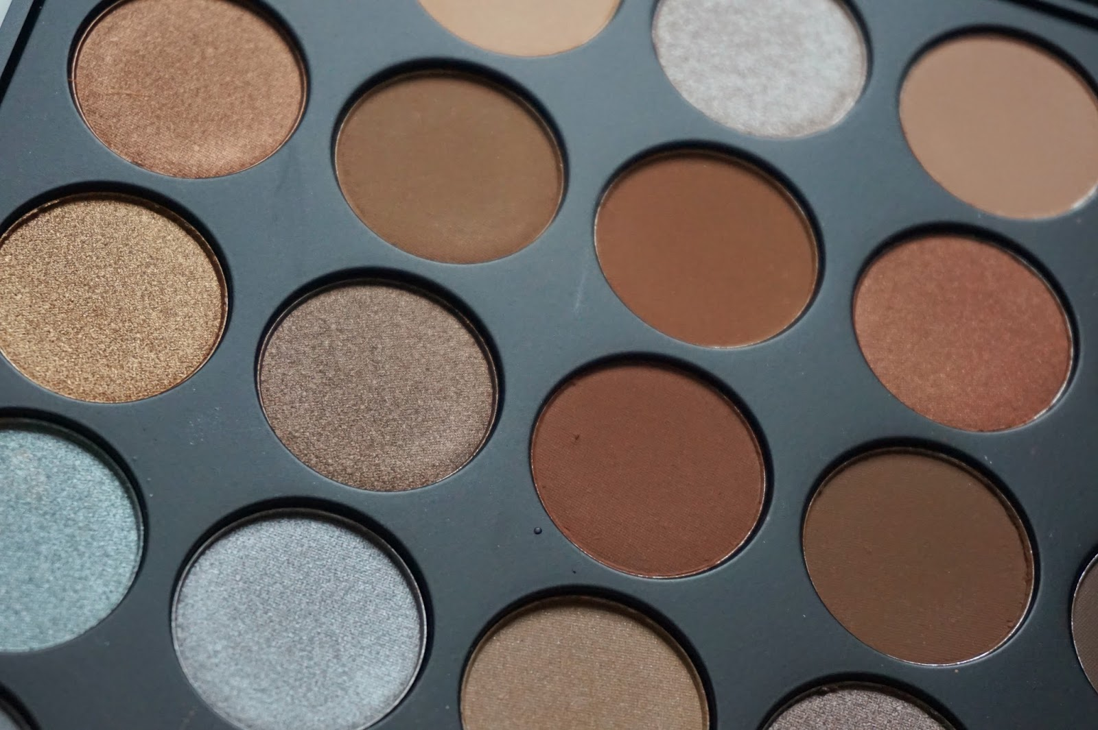 Extra close up of Morphe 35K