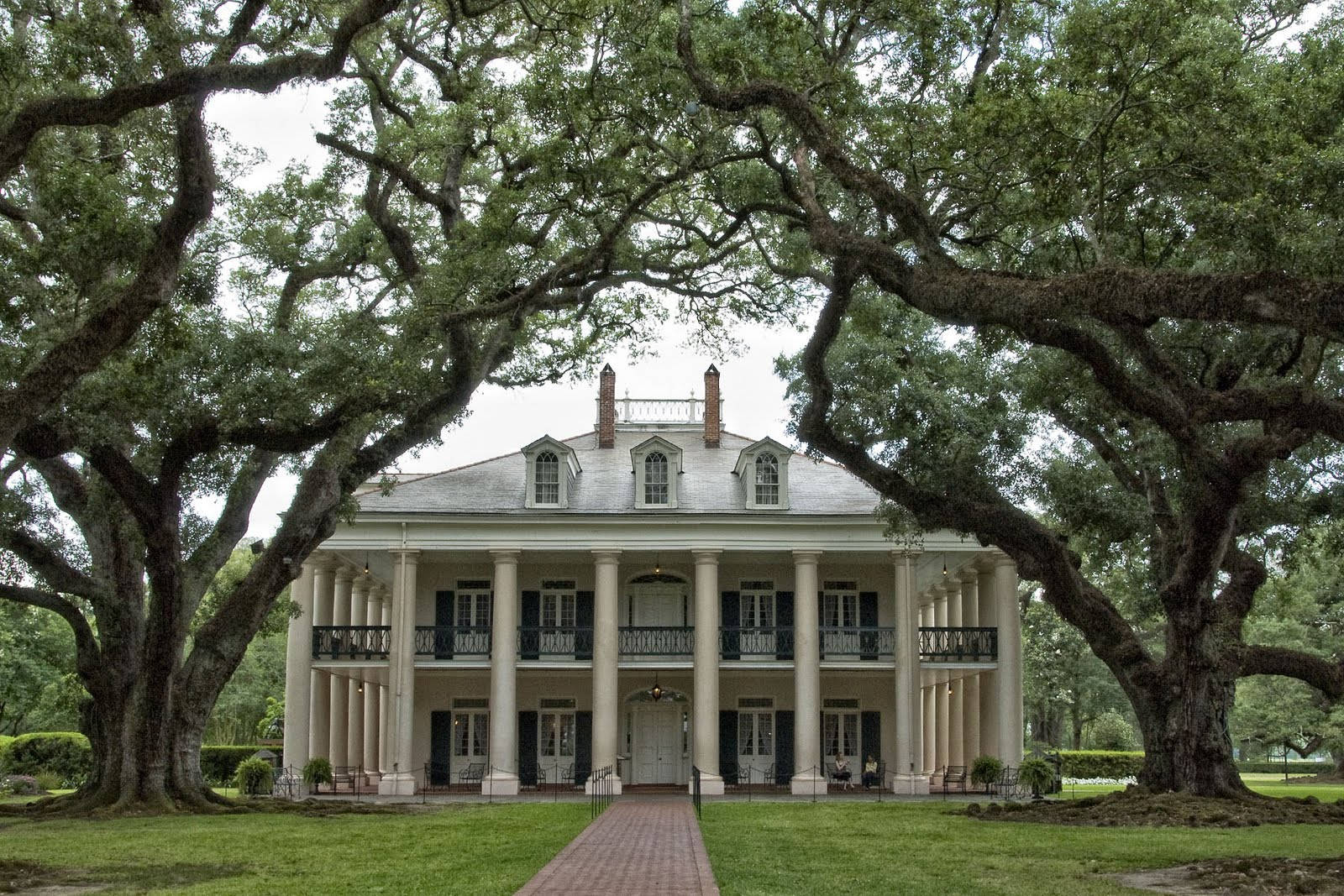 Our travel blog louisiana oak alley plantation may 2 for Home plans louisiana