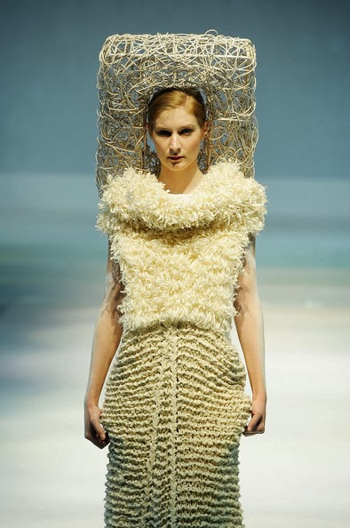 Why Are Runway Clothes So Weird: Beauty And The Curves: Why The High Fashion Runway Won't