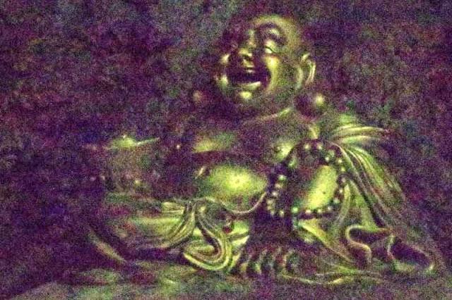 ISO 65535, grainy image, Buddha, cavern