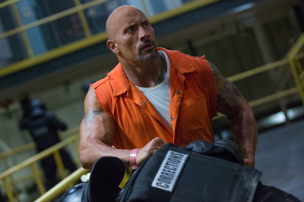 https://4.bp.blogspot.com/-0qCXnnIFyfk/WE-LdisaXzI/AAAAAAAABtk/7RDDjOx0AiI58C-cLifPQR-ixrlwEUoDwCLcB/s1600/the-fate-of-the-furious-dwayne-johnson-600x400.jpg