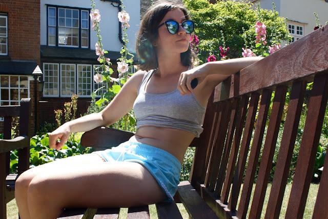 body confidence journey stomach rolls instagram model
