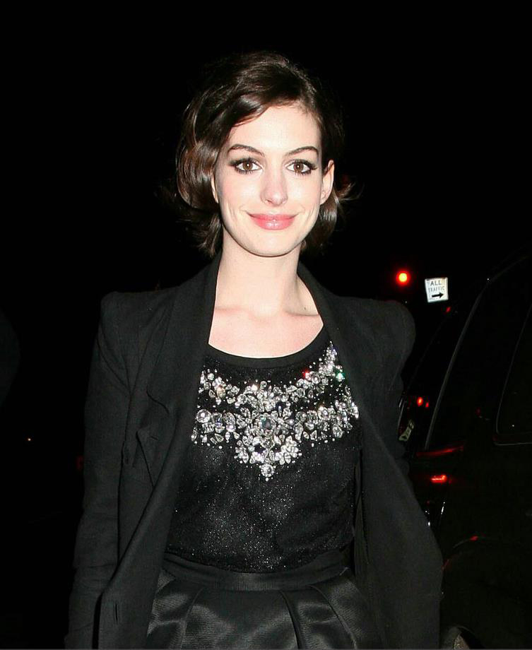 Anne Hathaway Eye Color: Anne Hathaway Biography And Latest Pictures 2013