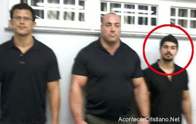 Guardaespaldas de Benny Hinn y su hijo Joshua Hinn arrestados en Brasil