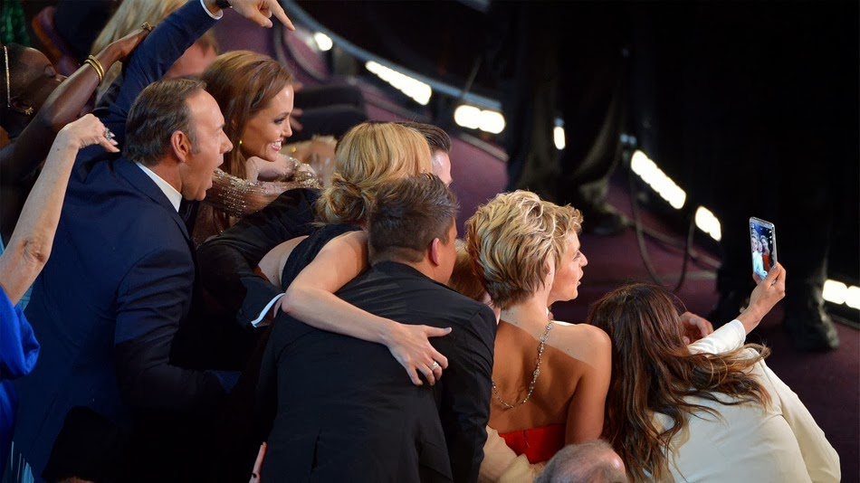 Ellen's Oscar Selfie Makes History on Twitter