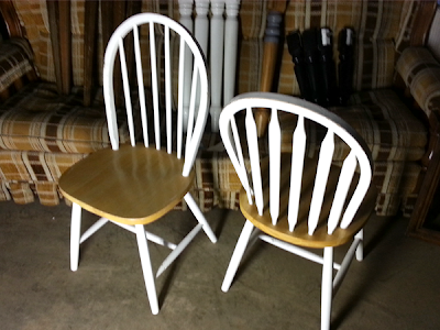 Country Windsor Kitchen/Dining Chairs - OKC Craigslist Garage Sales