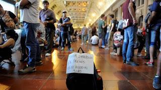 Siguen los inconvenientes en la venta de pasajes de Tren