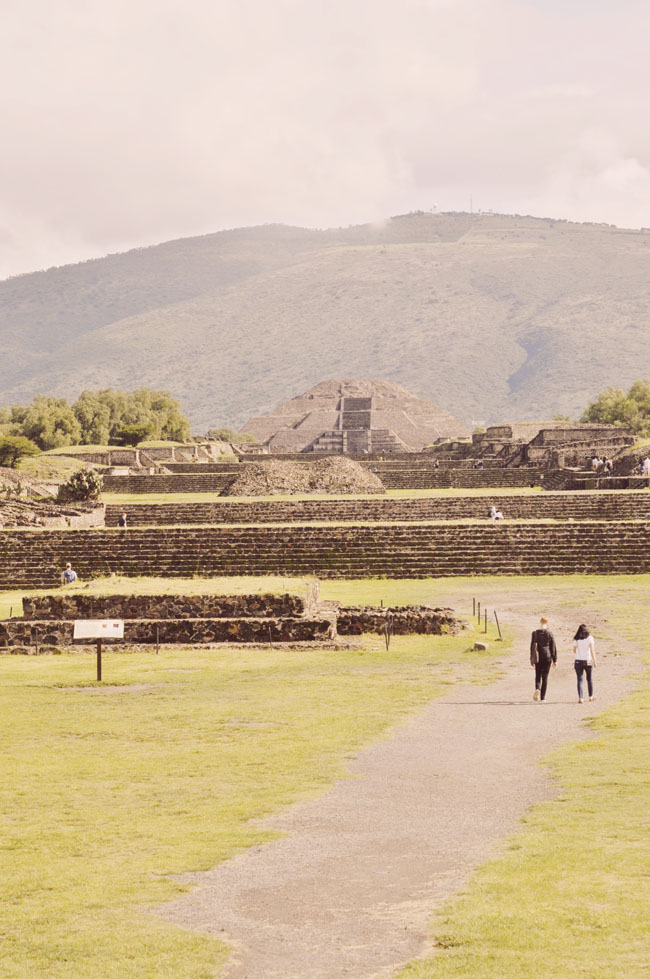Visiting Teotihuacan Mexico City Day Trip avenue of the dead