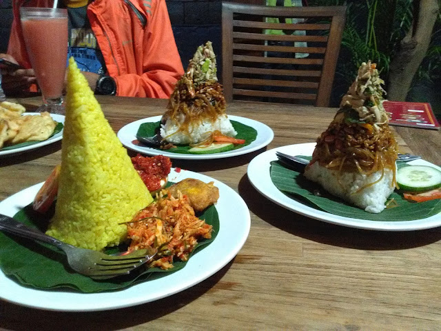Nasi Kuning dan Nasi Pedas Nyah Tan Li