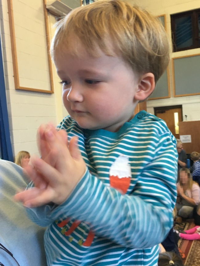 toddler-clapping-hands