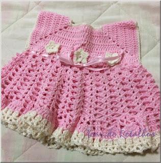 Vestidinho rosa infantil feito em crochê