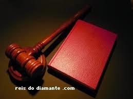 Isso funciona! conheça o famoso livro vermelho de Rh jarrett sobre a lei da atração