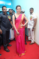 Kajal Aggarwal in Red Saree Sleeveless Black Blouse Choli at Santosham awards 2017 curtain raiser press meet 02.08.2017 011.JPG