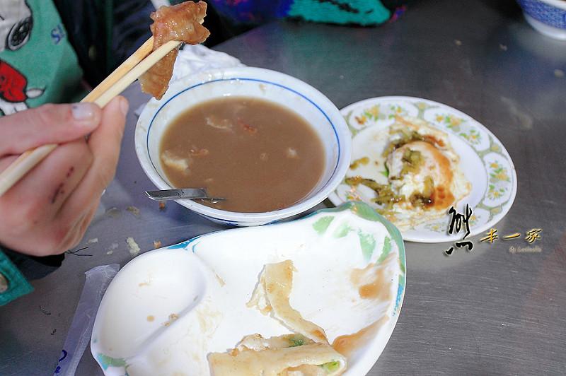 宜蘭蘇澳南方澳南天宮早餐|古早味蛋餅|景點南海石頭松