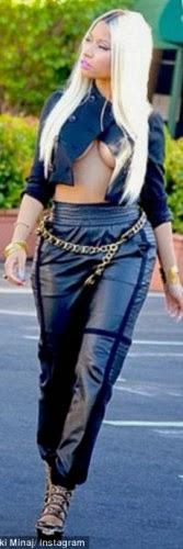 3 Nicki Minaj Exposes Her Boobs On The Street (See Photos)