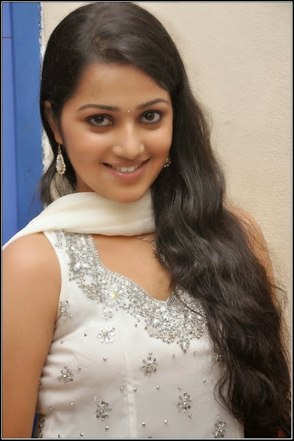Samskruthi shenoy mallu actress hot photo gallery