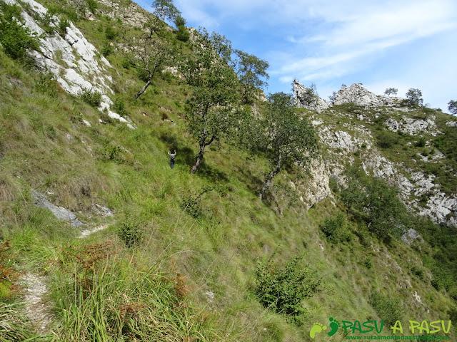 De Urdón a Tresviso: Subiendo sendero