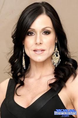 قصة حياة كيندرا لوست (Kendra Lust)، ممثلة اباحية امريكية، من مواليد 1978