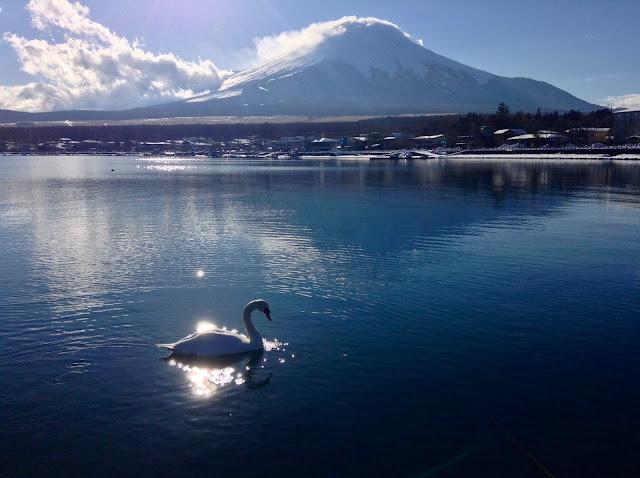 Lake Yamanaka winter