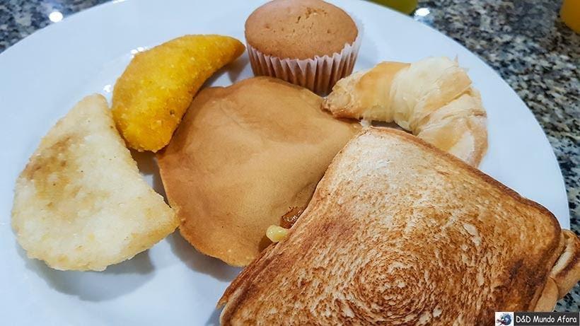 Café da manhã no hotel Cartagena Plaza - Diário de bordo: 4 dias em Cartagena, Colômbia