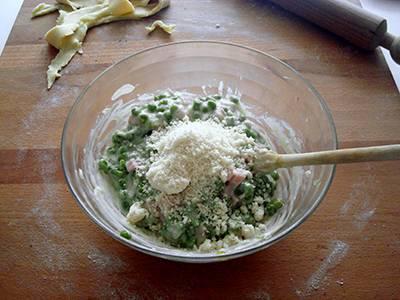 Torta salata con pisellini e prosciutto 13