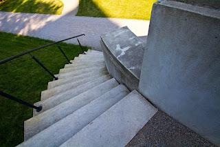Eine Treppe, die zum Ziel eines Neuanfanges in der Beziehung führen soll.