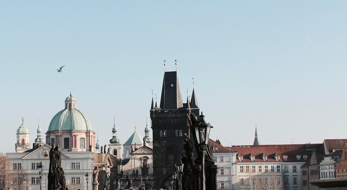 Kurztrip Prag Travelguide: Tipps zu Restaurants, Bars und Clubs und Walking Touren durch die Stadt http://www.theblondelion.com/2017/01/prag-travelguide-walking-tour-food-bars.html