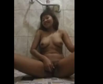 Lombok bergetar Mandi pagi | PornBet