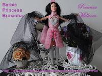 Barbie com casaco de crochê por Pecunia Milliom