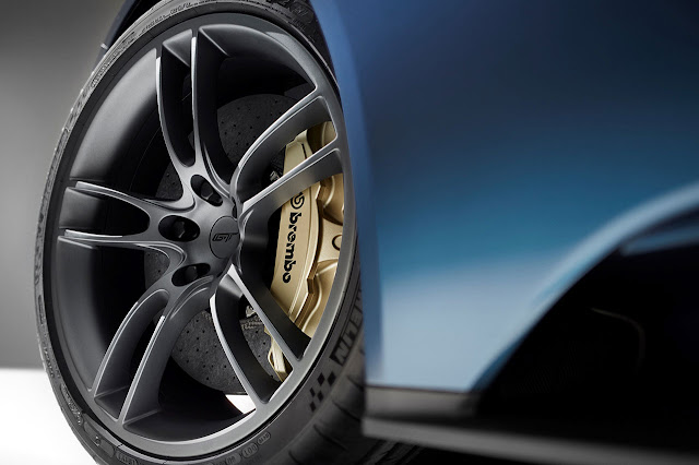 The 20in Ford GT wheels are made from lightweight, forged aluminum