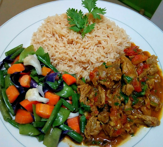 Tasty beef and vegetable stir-fry with rice