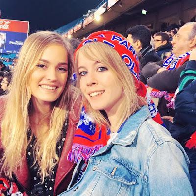 Chicas futboleras del Atleti en el Vicente Calderón